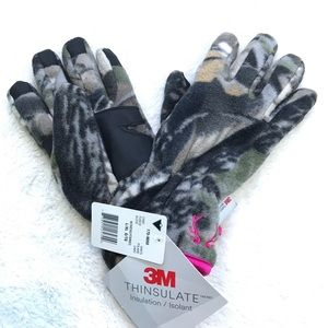 3M Thinsulate | NWT Camouflage Girl's Gloves